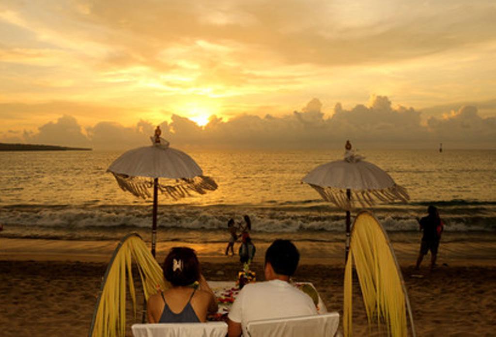 <金牌巴厘岛5晚7日半自助游>5晚网评四星酒店,贝妮达+蓝梦双岛出海,乌布皇宫,乌布传统市场,库塔海滩,梯田下午茶,2天自由活动,特色美食
